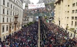 Die vorbildlich friedliche Revolution in ganz Algerien geht weiter: Zehntausende in vielen Städten demonstrieren